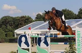 Regerend kampioen, Jos Verlooy zet toon met leiderspositie op BK. - Equnews  Belgium