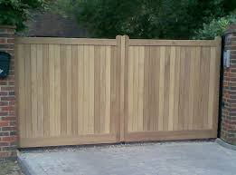 henley h2 flat top wooden driveway gate pairs