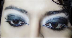 gothic eye makeup tutorial step 6 b look with winged formation