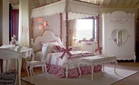 Schlafzimmer Für Kleine Mädchen Mit Himmelbett Idfdesign