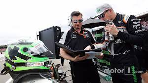 Nico Hulkenberg, Sahara Force India F1 with Bradley Joyce, Sahara Force  India F1 Race Engineer on the grid - 1407289