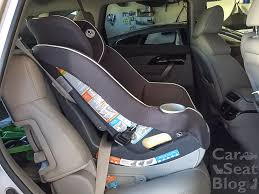 to recline the contender there s a flip foot on the bottom of the seat with an orange and blue sticker for rear facing flip the foot forward and match