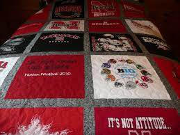 Acorn Ridge Quilting: January 2012 & Michelle put this quilt together for her husband who I know will love to  finally have his own quilt! It will keep him warm while watching those  Cornhusker ... Adamdwight.com