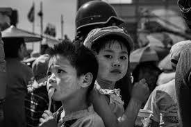 b w street photography essay burma edge of humanity magazine b w street photography essay burma