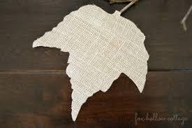 Burlap Fall Leaf Outline Silhouette Craft - #diy #Fall #leaf #craft
