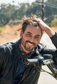 Skeet Ulrich Went From '90s Heartthrob to Struggling TV Actor. Now He's  Back. in 2020 | Skeet ulrich, Tv actors, Hot actors