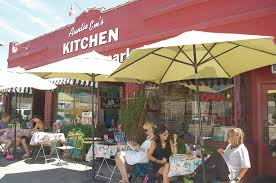 Bobby Flay Outdoor Kitchen Auntie Ems Kitchen Comfort Food With A Rock N Roll Edge Park
