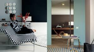 Hoe Kan Je Een Kleine Kamer Groter Laten Lijken Verf En Kleuren