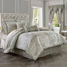 Patterned Comforters