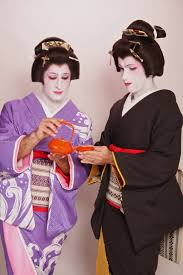 geisha makeover in tokyo choosing kimonos