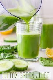 In today's fast paced world, it is difficult for us to slow down long enough to eat all the fresh fruits and vegetables that the experts recommend. Detox Green Juice Happy Foods Tube
