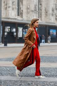 fall winter streetstyle trend 2017 2018 red to toe team peter stigter catwalk show streetwear and fashion photography