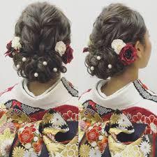 ヘアスタイルにパールを潜ませた可愛いぎる結婚式の髪型7選