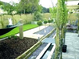 retainer wall ideas backyard retaining flower bed garden patio privacy privacy screen