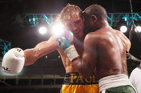 Mayweather vs. Paul: Twitter reacts to Logan Paul going the distance with Floyd  Mayweather - MMA Fighting
