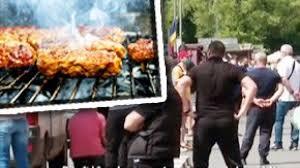 VIDEO  Cozi mari la tarabele cu mici de 1 Mai - WOWBiz