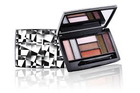 cosmetic small make up kit