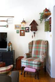 Primitive Paint Colors For Living Room Were Crushing On The Primitive Country Decor In This City