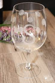 personalized gifts tutorial to make gorgeous diy wine glasses these are such fun and