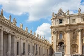 Cite Du Vatican Italie 14 Avril 2017 Basilique De Saint Pierre Est Une église De La Renaissance Italienne Dans La Cité Du Vatican Lenclave