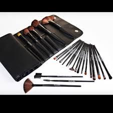 beaute basics 24 brush set with wrapped case