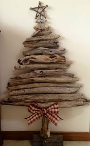 Best 25 Outdoor Christmas Decorations Ideas On Pinterest  Diy Christmas Trees That Hang On The Wall