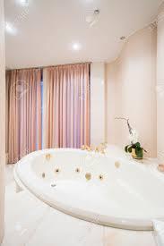 chic old fashioned bathtub shower 46 big round bathtub with old fashioned bath shower large