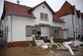 Foto: Peter Edelmann. In Pfungstadt ist eine Fassade zusammengestürzt, die weiter lesen. 23.01.2010, 17:01 Uhr; von Schröder & Kalender - edelmann_2