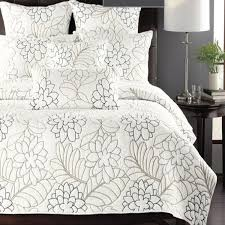 Cotton 3pcs embroidery patchwork quilt with pillow sham king size ... & Cotton 3pcs embroidery patchwork quilt with pillow sham king size  aircondition bed cover/bedspread free shipping-in Quilts from Home & Garden  on ... Adamdwight.com