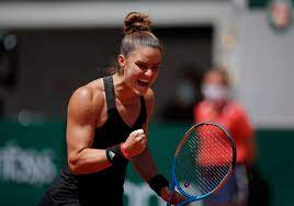 Maria Sakkari Upsets Defending Champion Iga Swiatek in Straight Sets to  Reach French Open 2021 Semifinals - Future Tech Trends