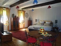 Ici furniture Trenton Nj Dici Et Dailleurs Medium Dici Et Dailleurs In Cordessurciel Room Deals Photos Reviews