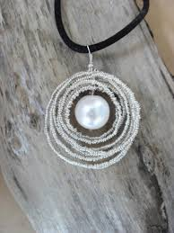 romantic diy wire and pearl necklace