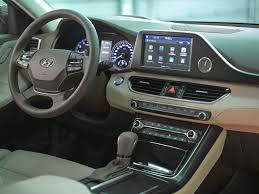 2018 hyundai azera interior. interesting azera hyundai has taken this feedback very seriously and our engineers have  provided a unique specification that will give the azera even more appeal to  with 2018 hyundai azera interior 1