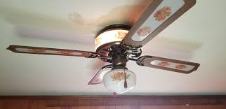 Ceiling Fan Light Flickers On And Off How Do I Fix The Bottom Light I Can Put A Bulb In And It