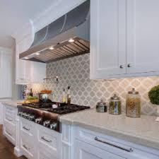 4 kitchen backsplash trends to update
