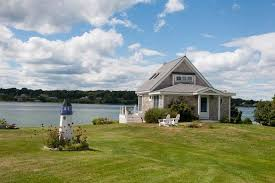 Romantic Shore Front Cottage Vacation Rental On Bailey