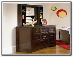 dresser with shelves