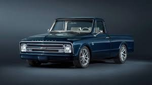 Chevrolet builds 1967 C/10 custom pickup for SEMA