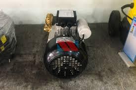 Máy rửa xe áp lực cao AR U22-1408 - Xuất xứ Italia - thietbimientrung.vn