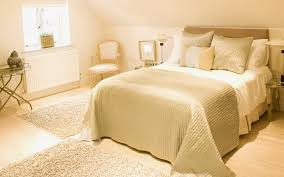 Red And Gold Bedroom Decor Cream Bedrooms Ideas Awesome Red And Cream Bedroom Ideas