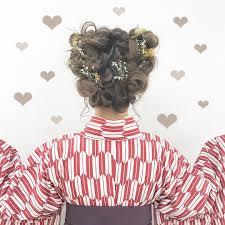 袴に合う髪型20選ミディアムのヘアスタイルと簡単ヘアアレンジは Belcy