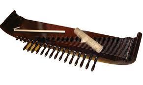 Alat musik ini berfungsi menciptakan harmoni atau keselarasan bunyi yang dihasilkan. Terlengkap 14 Contoh Alat Musik Harmonis Beserta Penjelasannya