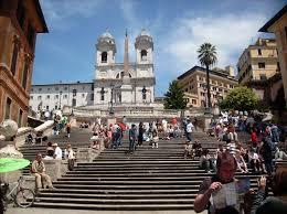 Die spanische treppe und ihre stufen gehören zu den beliebtesten sehenswürdigkeiten in rom. Mit Dem Bus Die Ewige Stadt Rom Entdecken