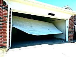 garage door doesn t open how