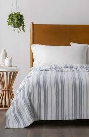 20 trendy blue and white bedding