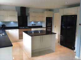 Kitchens With Black Appliances Fresh Idea To Design Your Kitchen Backsplash Ideas With White