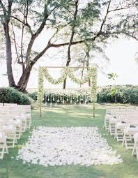 Parterre De Fleurs Pour C R Monie De Mariage Ext Rieure Fleurs Deco Ceremonie Mariage Exterieur
