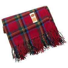 eureka fringed rug black red check