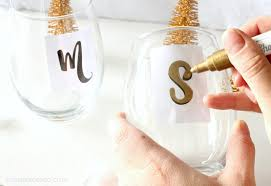well known to fro the perfect party gift personalized wine glass diy