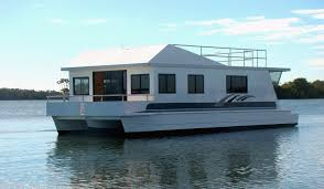 Pictures Of Houseboats How To Build A Houseboat Hull Google Search Houseboat Builds